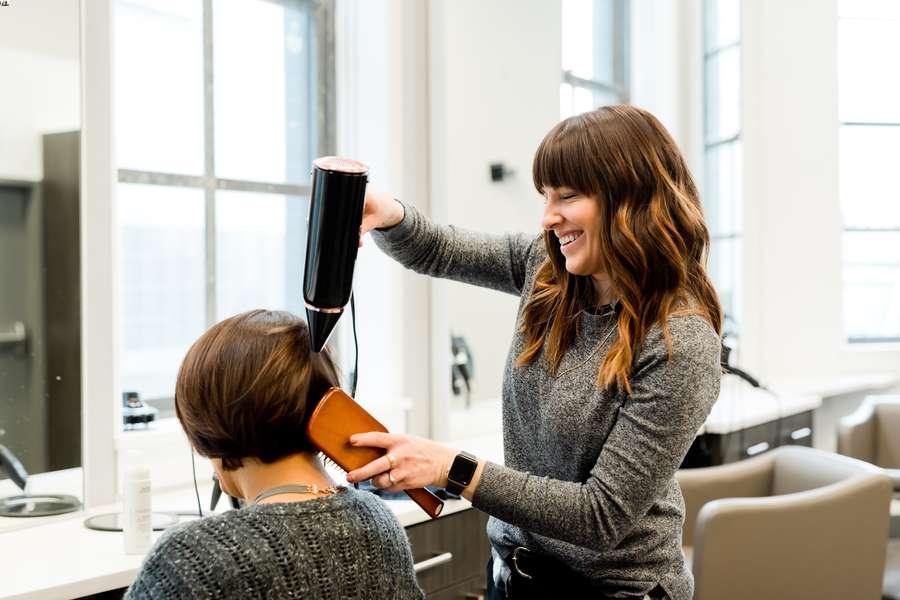 come aumentare i clienti di un parrucchiere